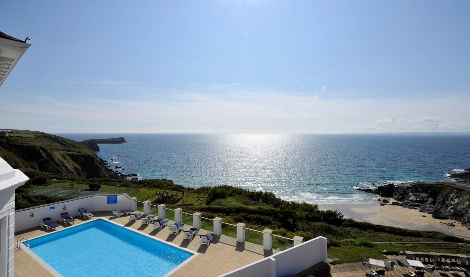 Outdoor family friendly swimming pool at Cornish hotel Polurrian Bay
