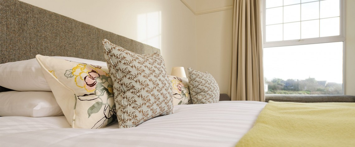 Large double hotel room in Mullion in Cornwall