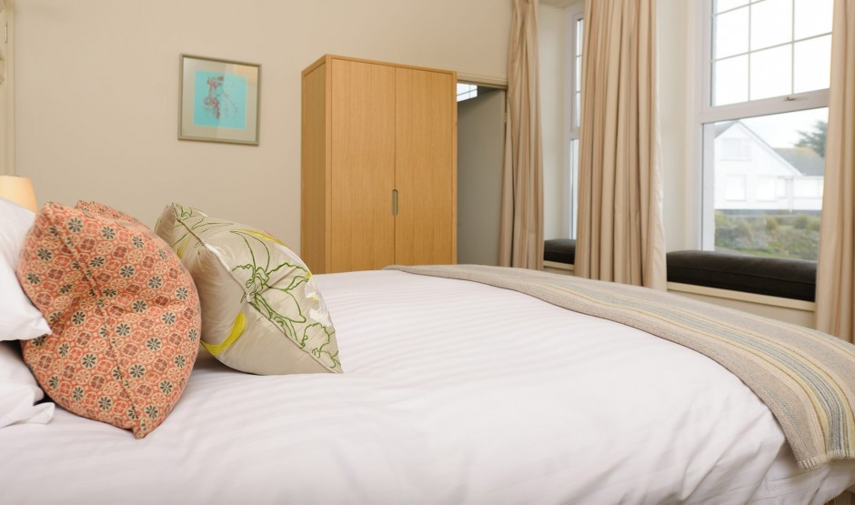 Contemporary double hotel room in Cornwall at Polurrian Bay