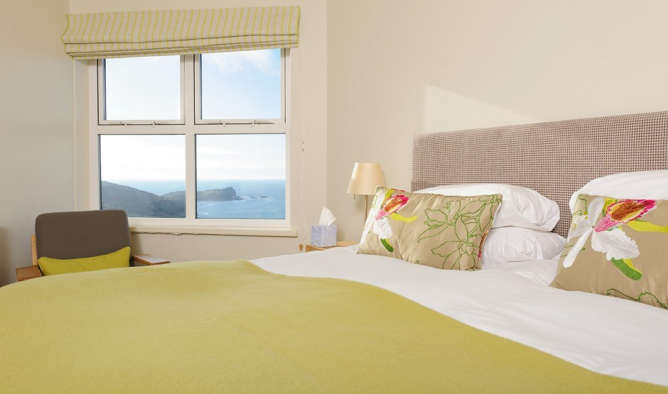 Sea view double bedroom in Cornwall